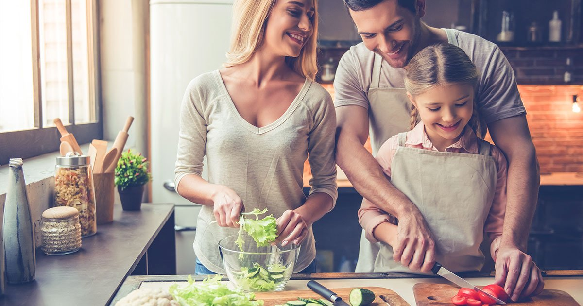 westhaven-kitchen-Family-Cooking